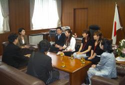 2009年 少子化対策担当大臣小渕優子表敬訪問